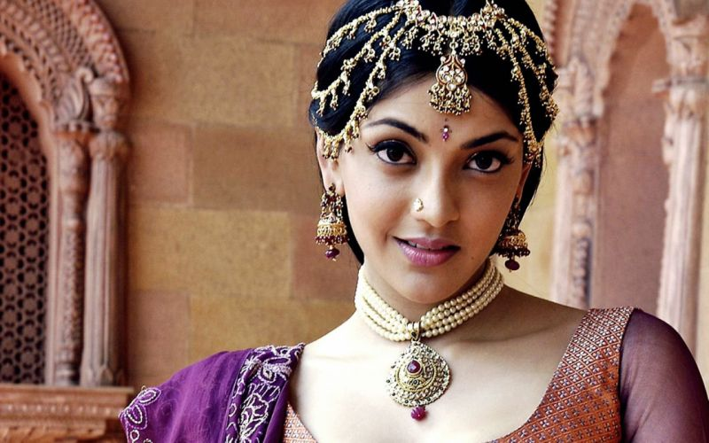 KAJAL AGARWAL indian actress bollywood model babe (83) wallpaper