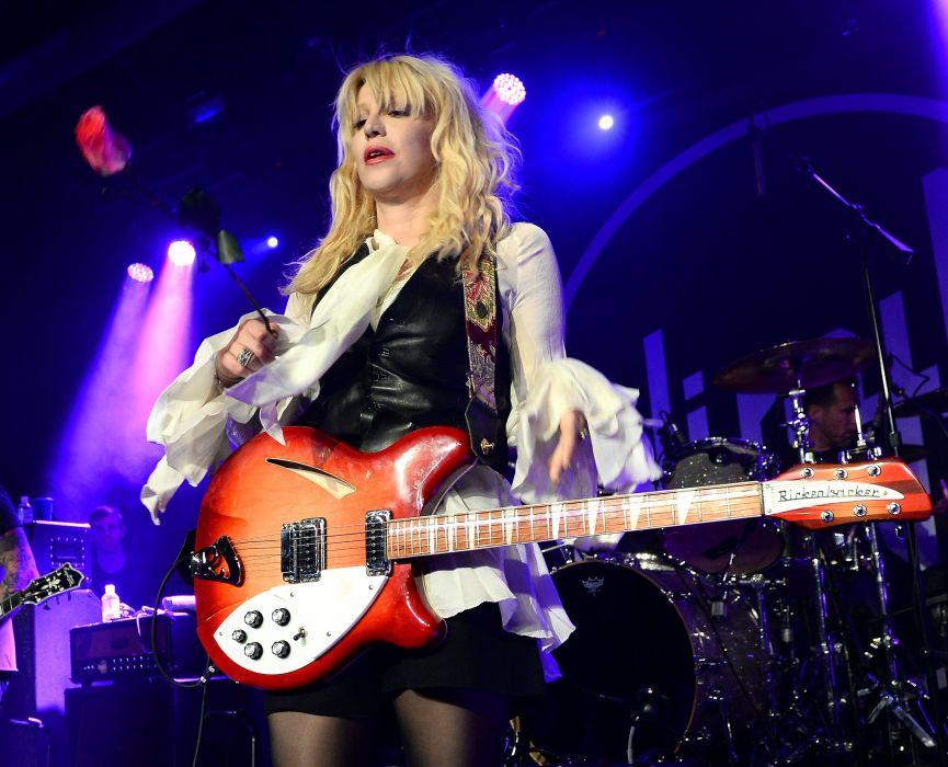COURTNEY LOVE singer actress model babe hole alternative concert guitar wallpaper