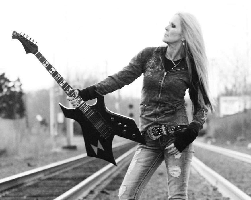 LITA FORD heavy metal hard rock babe guitar wallpaper