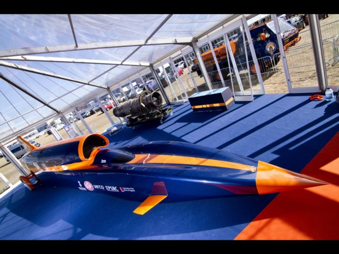 2010-Bloodhound-SSC-Show-Car-Front-Angle-Top-1920x1440 wallpaper