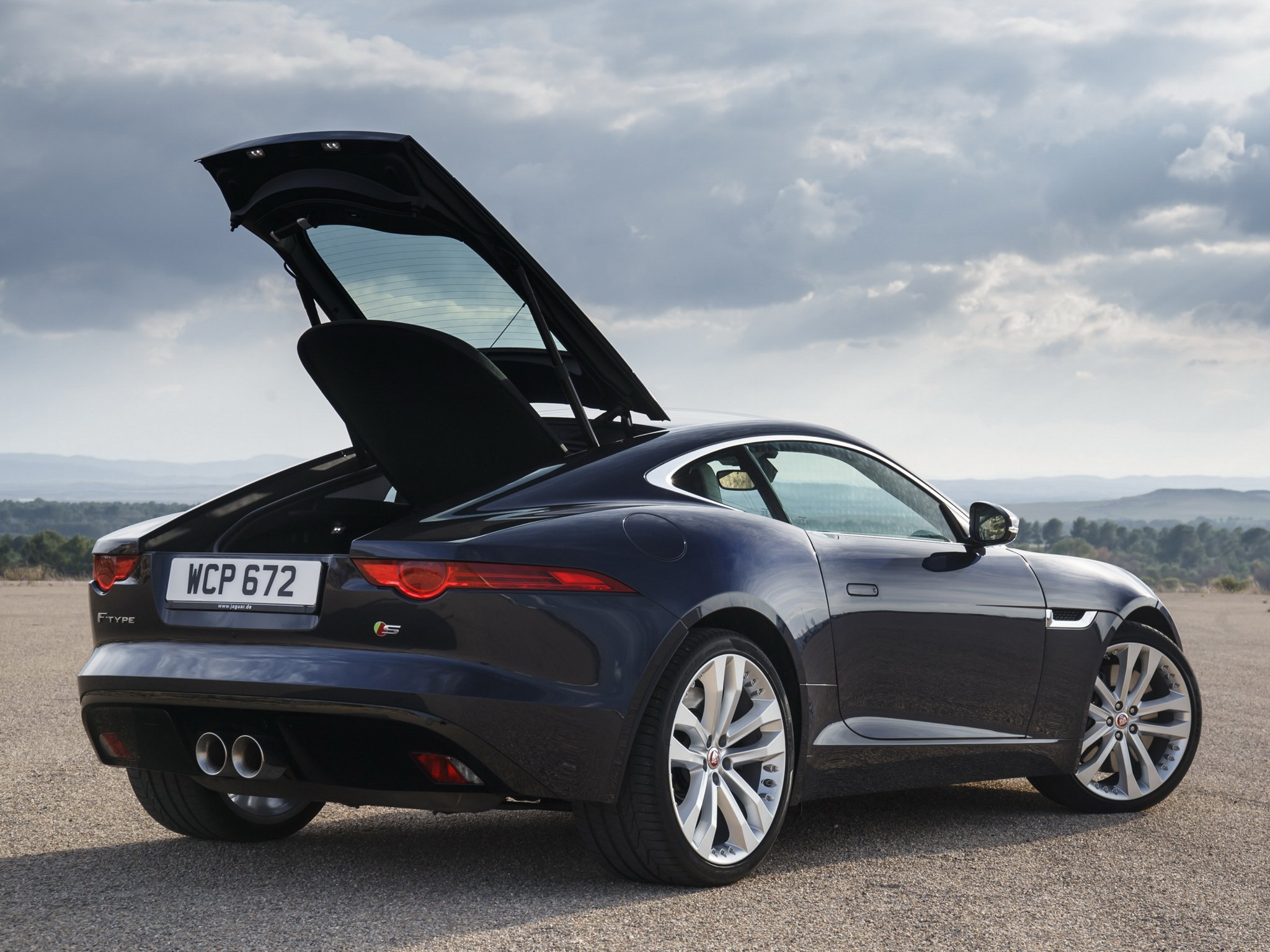 2014 Jaguar F Type S Coupe Ew Wallpaper   2048x1536   331759   WallpaperUP