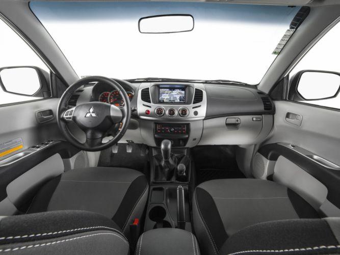 2014 Mitsubishi L200 Triton Savana pickup interior g wallpaper