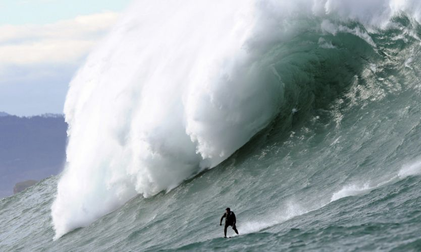 surfing surf ocean sea waves extreme surfer (3) wallpaper