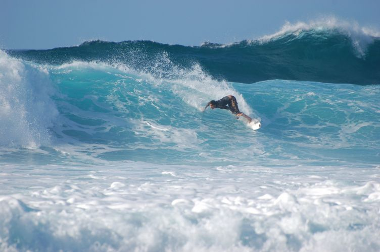 surfing surf ocean sea waves extreme surfer (46) wallpaper