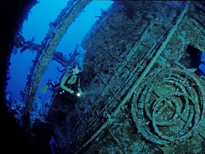 scuba diving diver ocean sea underwater wallpaper