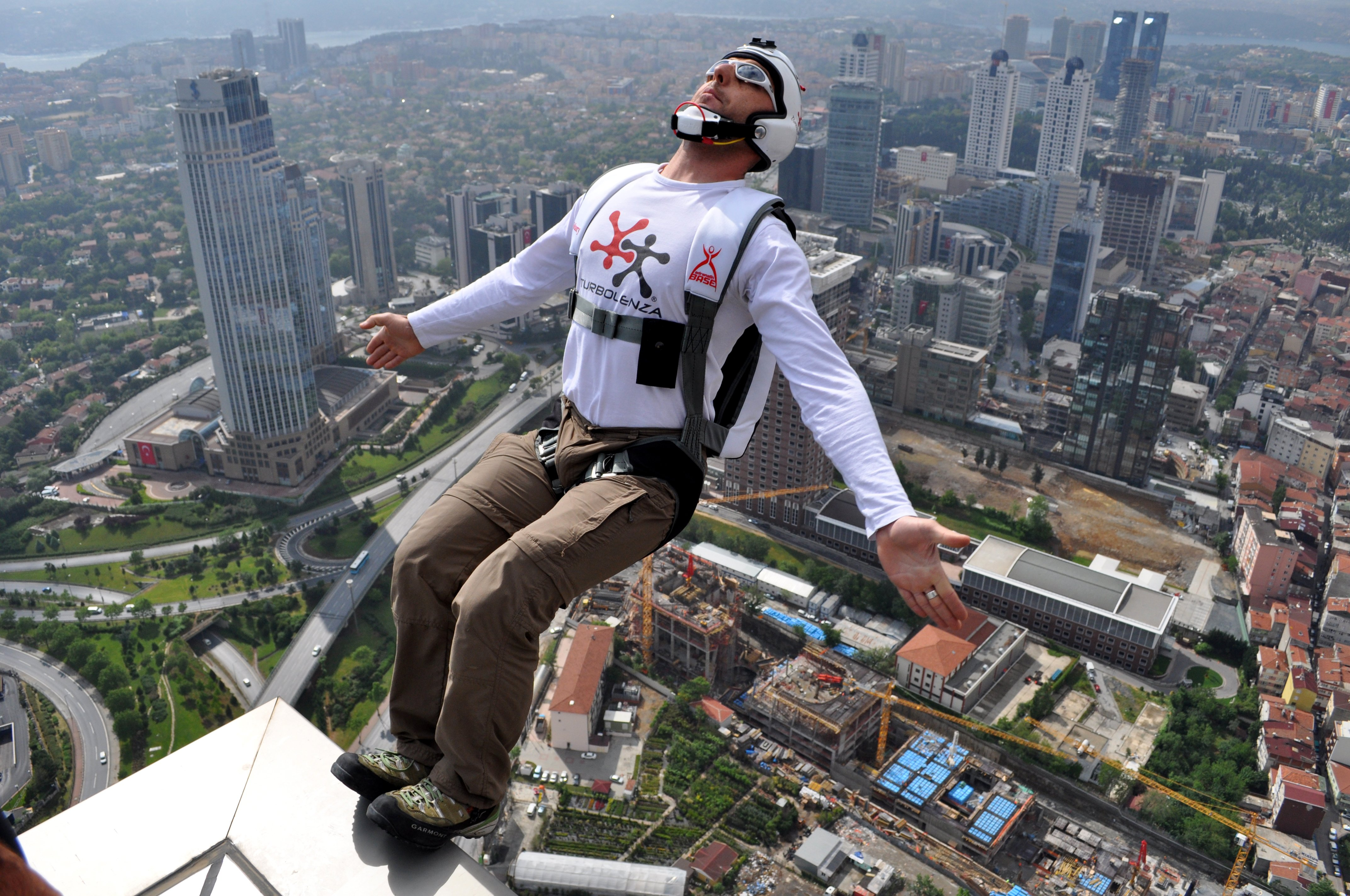 Base jumping jump fly flight extreme dive diving sky (17 ...