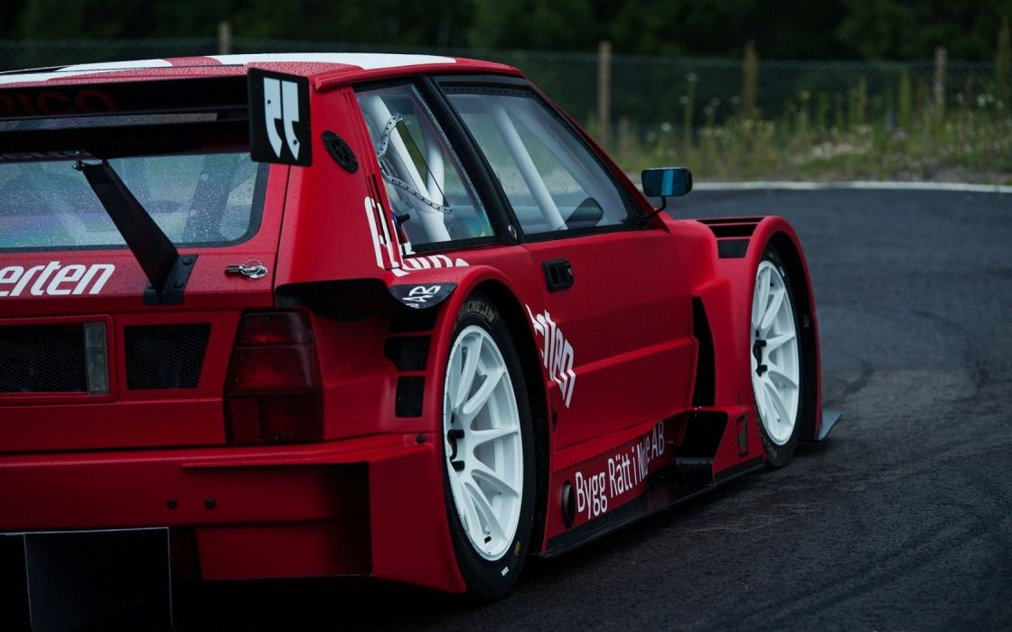 Lancia La Supra tunning racing wallpaper