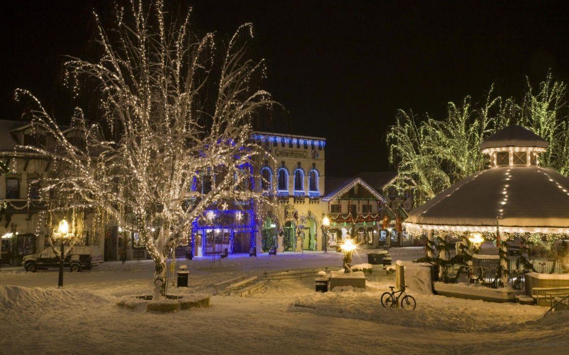 light winter snow trees Christmas cities sqaure wallpaper