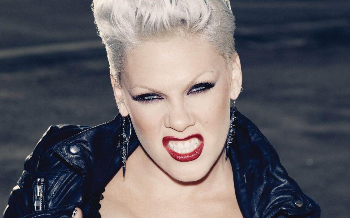 blondes women lips singers earrings Pink (singer) wallpaper