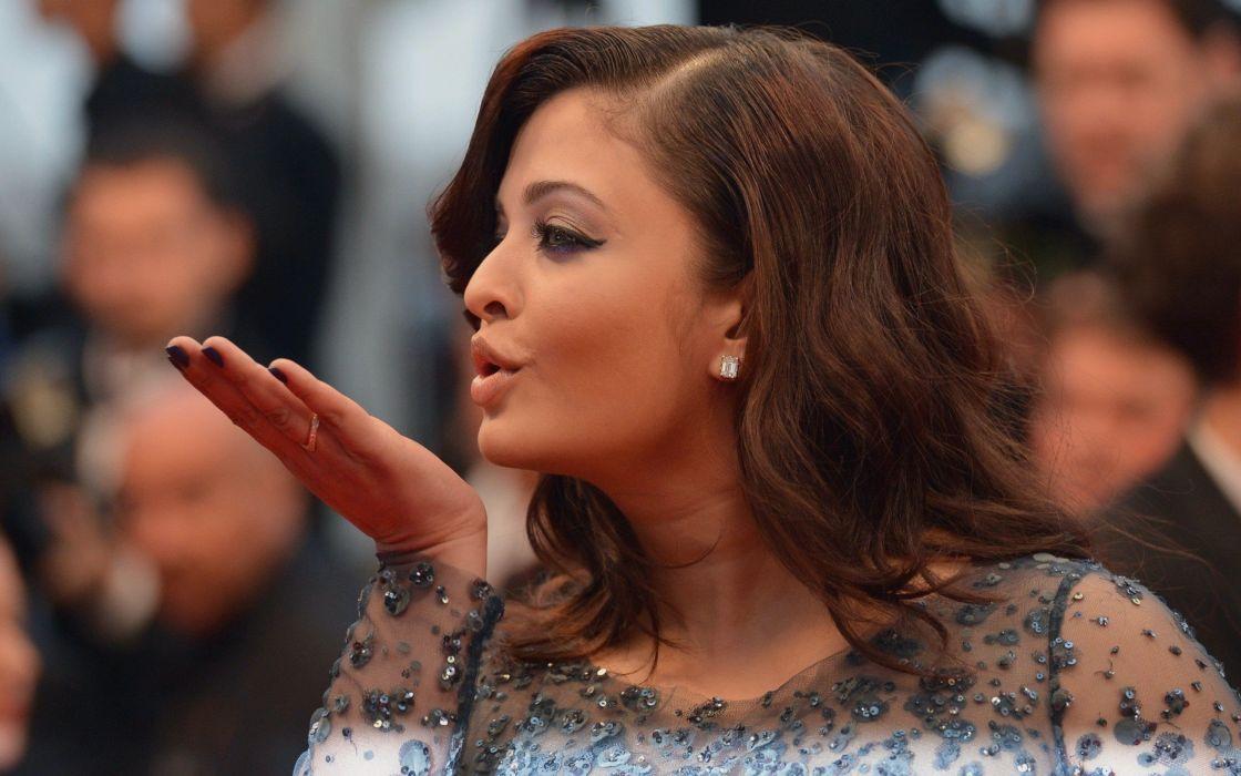 brunettes women actress celebrity Aishwarya Rai Bollywood Cannes blowing a kiss wallpaper