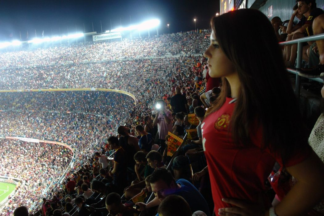 barcelona aeYaeYmanchester united soccer stadium crowd sexy babe wallpaper