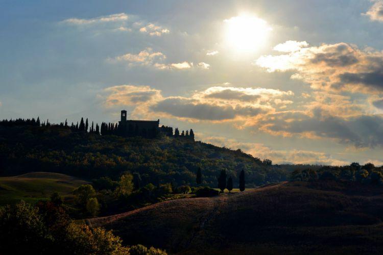house sun Italy Tuscany trees wallpaper