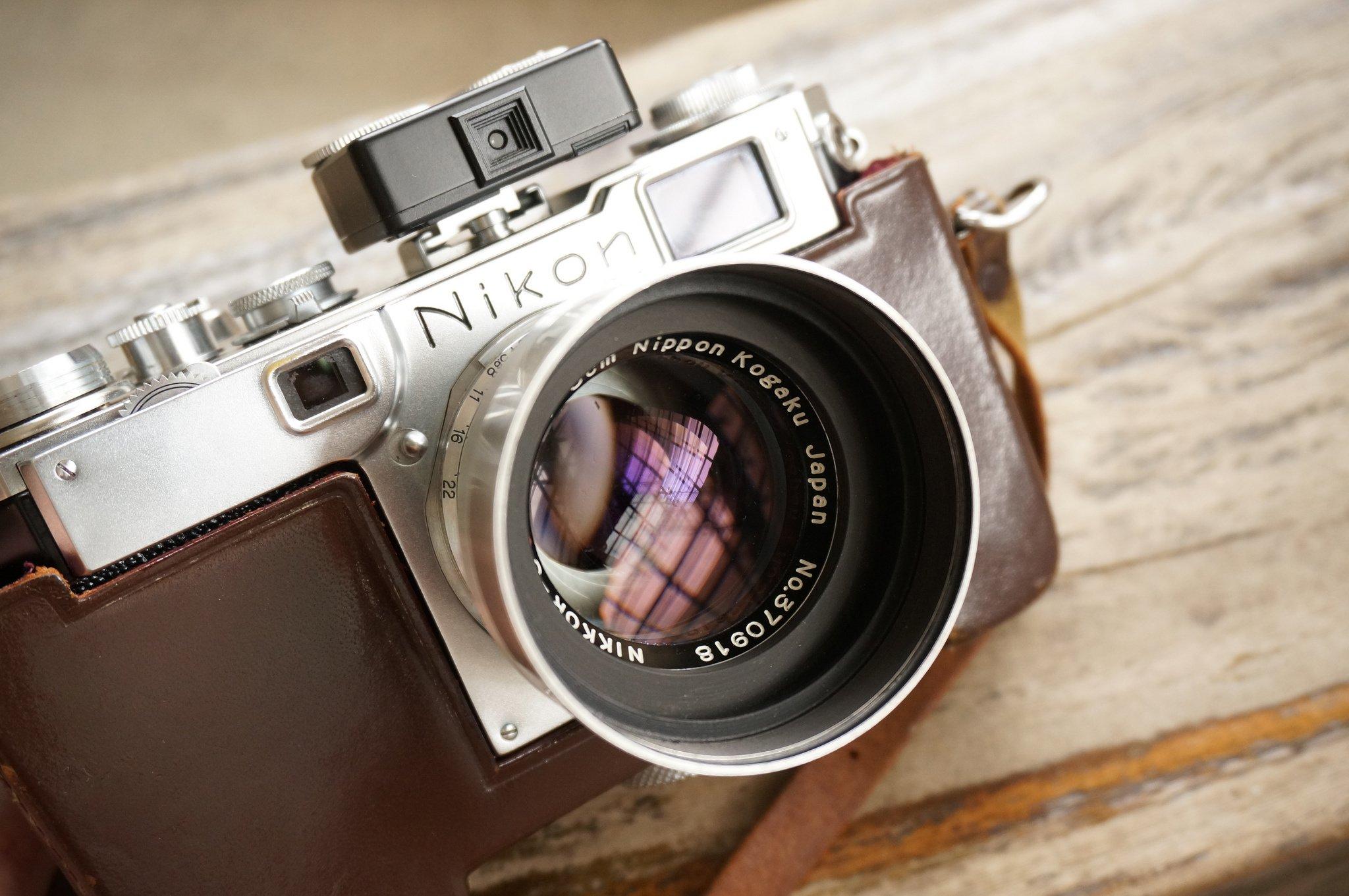 Nikon camera camera le...