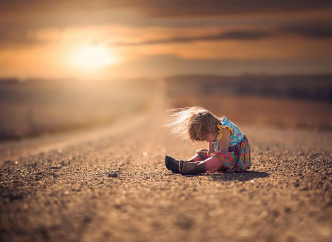 situation the child the road girl mood wallpaper