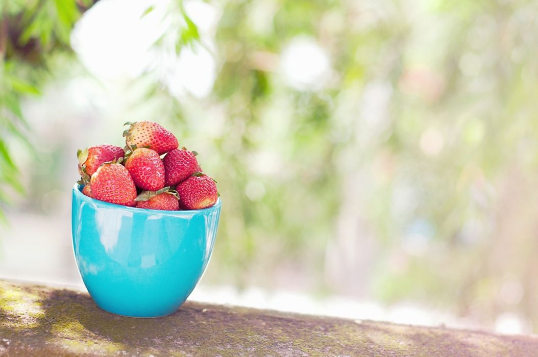 strawberry cup berry berries food wallpaper