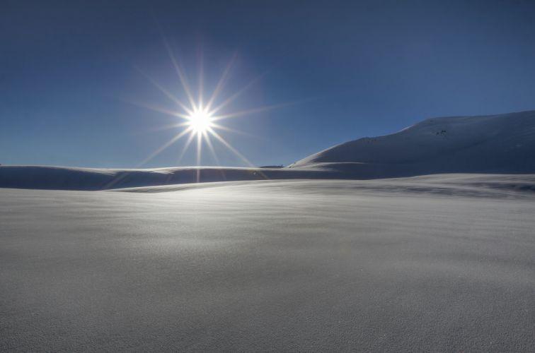 winter snow sun rays wallpaper