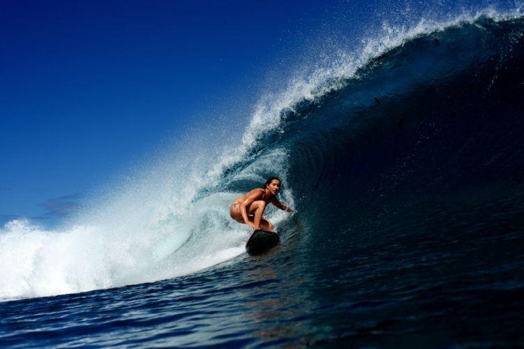wave surfing girl surfing ocean bikini sexy babe wallpaper