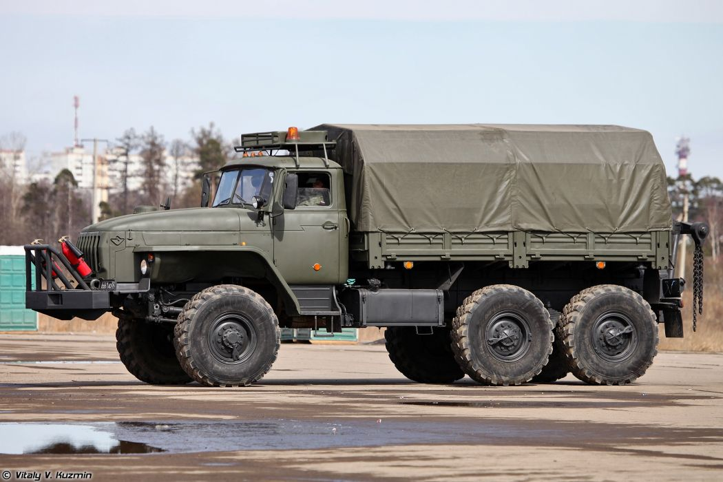 Light wheeled evacuation carrier KT-L truck April 9th rehearsal in Alabino of 2014 Victory Day Parade Russia military army russian wallpaper