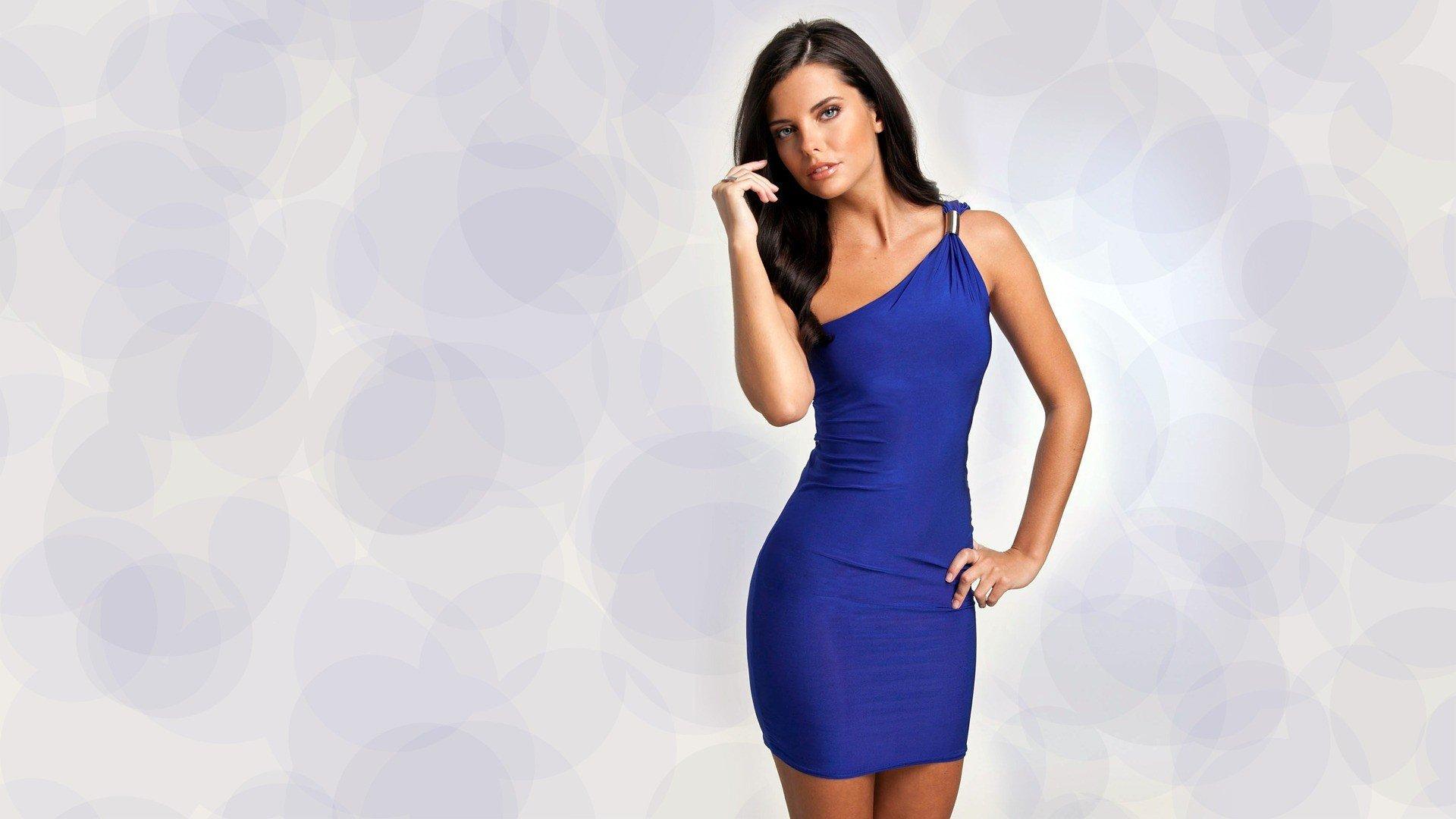 девушка синее платье блондинка girl blue dress blonde  № 3921503 загрузить