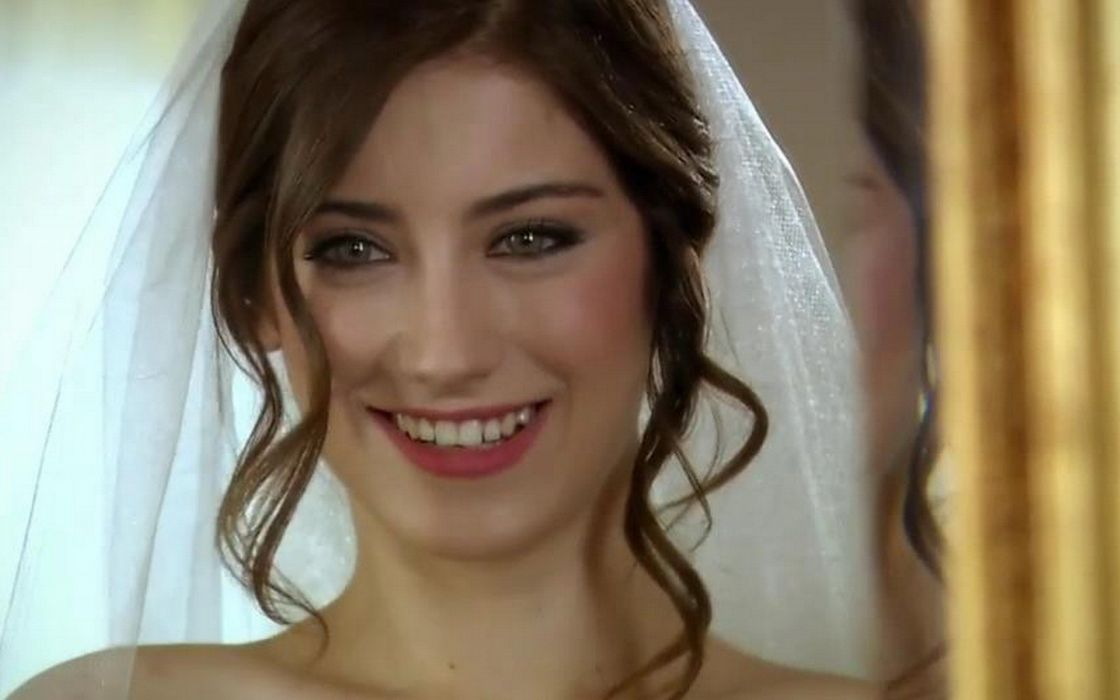 women models brides Hazal Kaya wallpaper