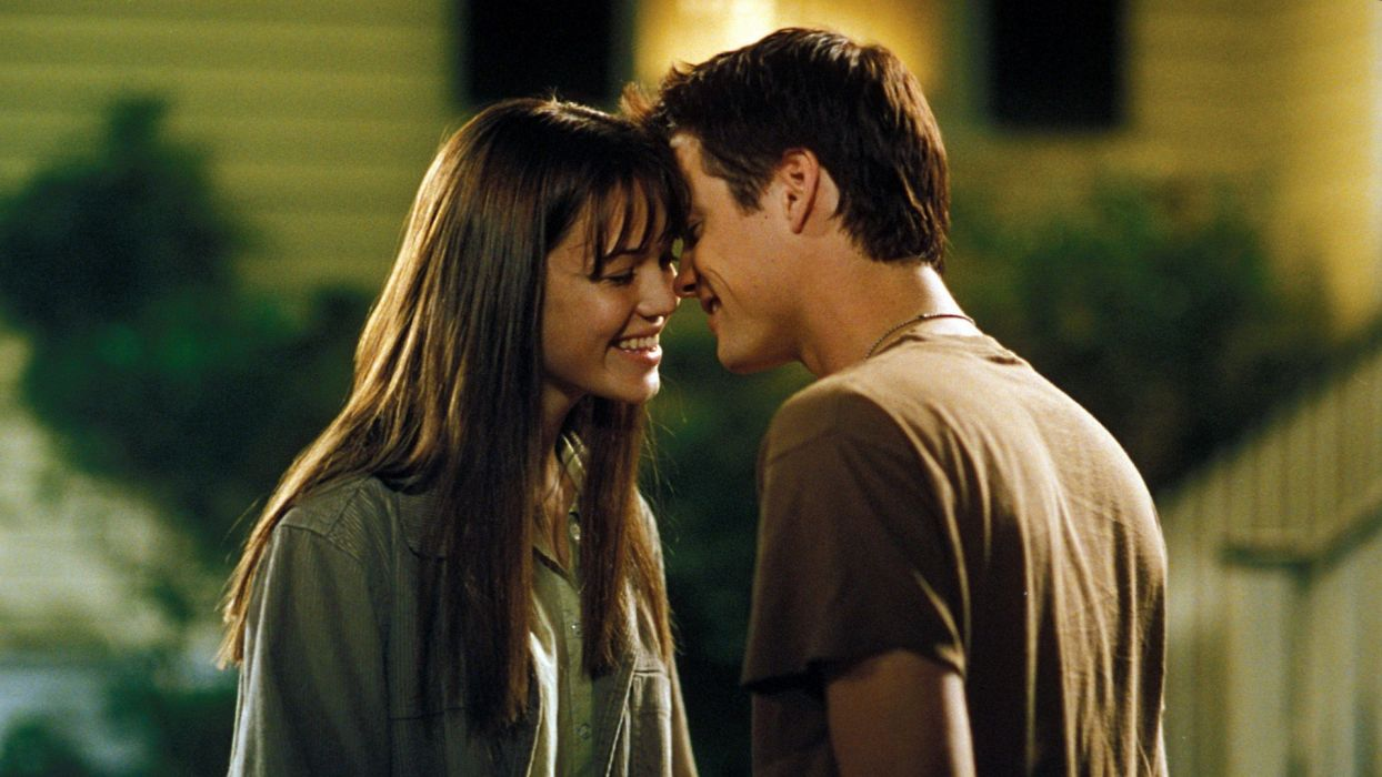Mandy Moore movies couple smiling Shane West A walk to remember wallpaper