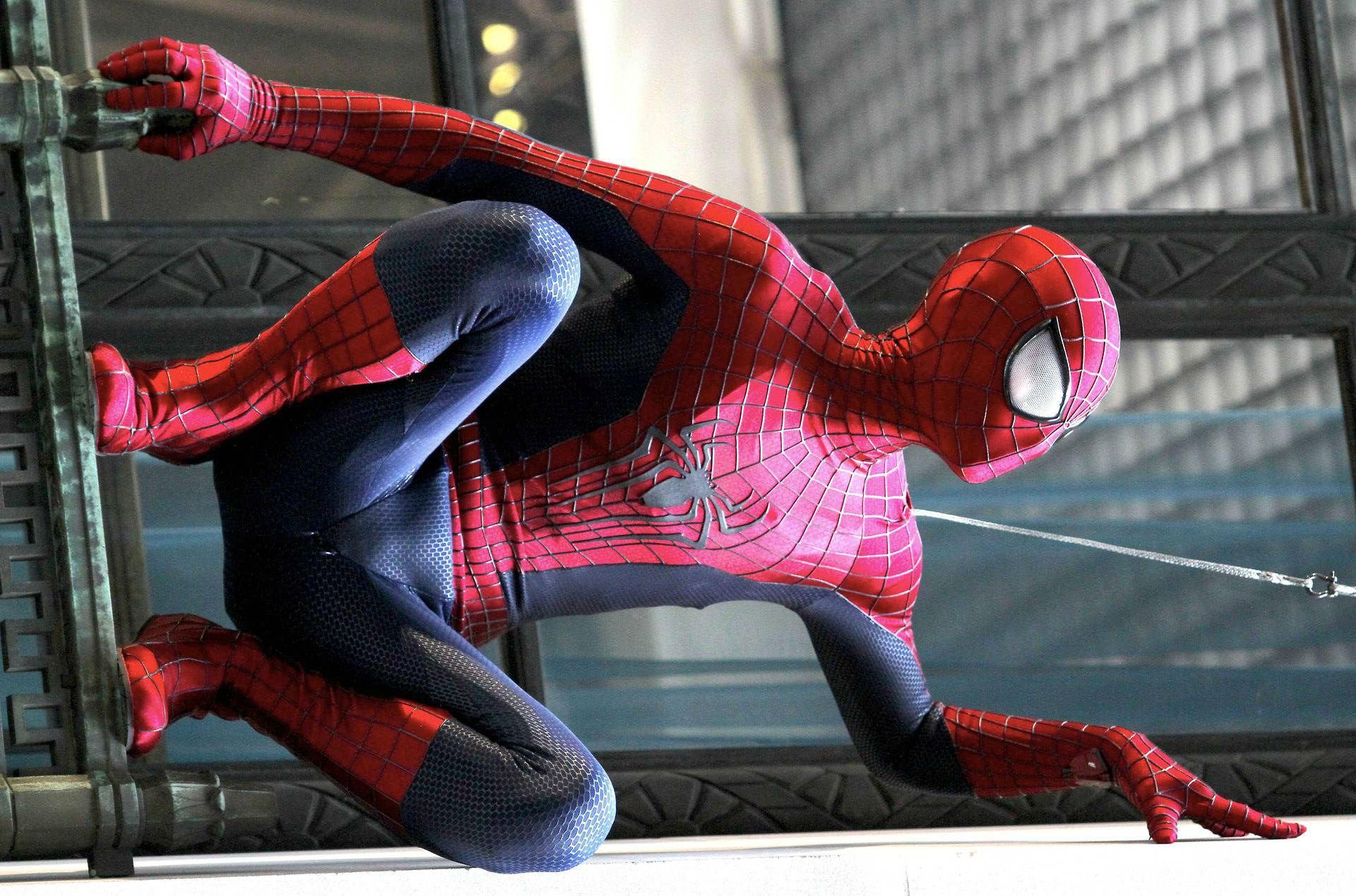 Смотреть онлайн новый человек паук высокое напряжение, Новый Человек-паук 5: Высокое напряжение 29 фотография