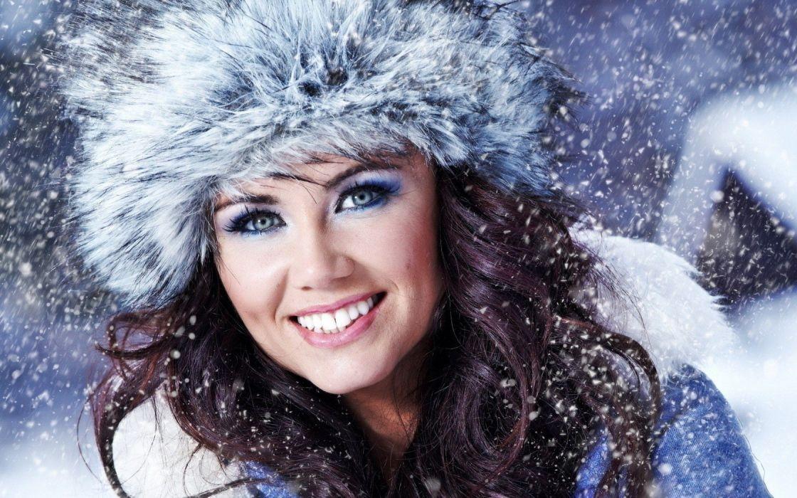 women winter wallpaper