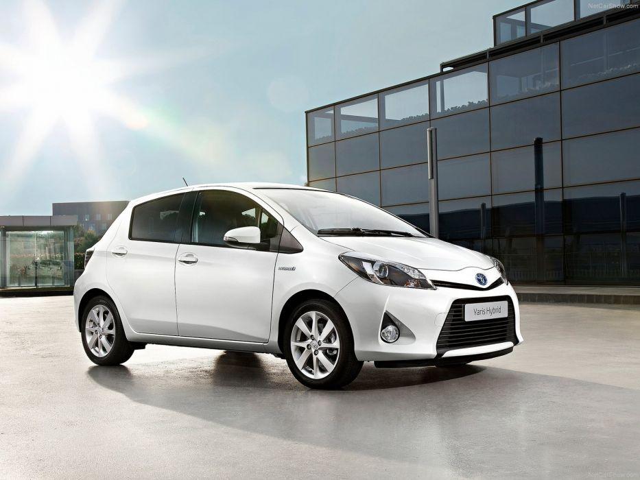 Toyota Yaris Hybrid 2013 wallpaper