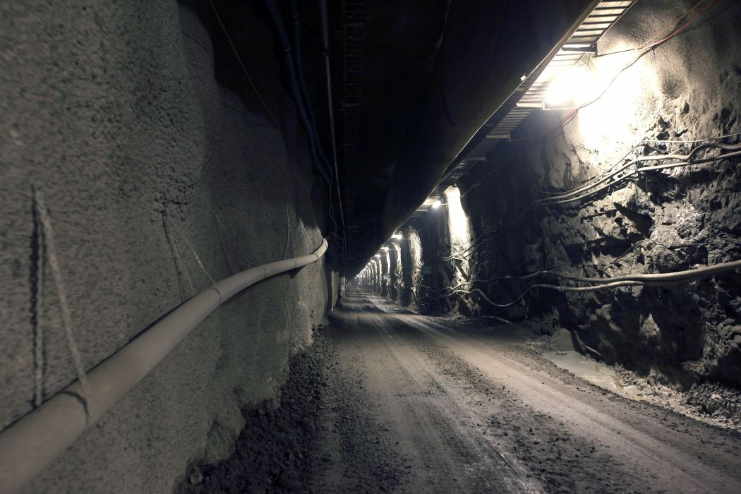 Scandinavia Finland nuclear architecture deposit material tunnel Europe wallpaper