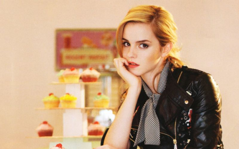 blondes women Emma Watson actress models cakes wallpaper