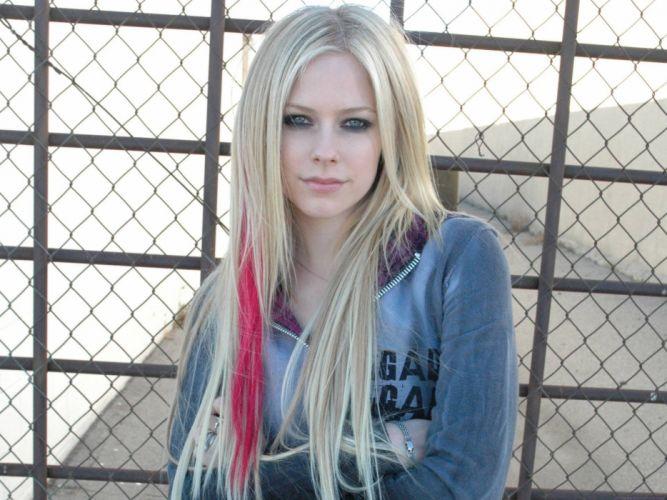 women Avril Lavigne singers wallpaper