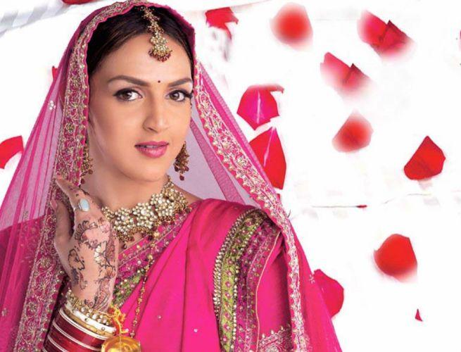 ESHA DEOL bollywood actress model babe (2) wallpaper
