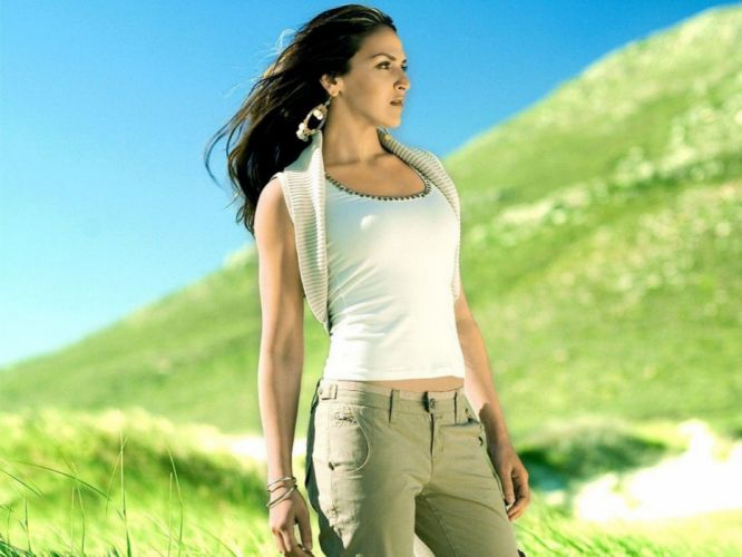 ESHA DEOL bollywood actress model babe (31) wallpaper