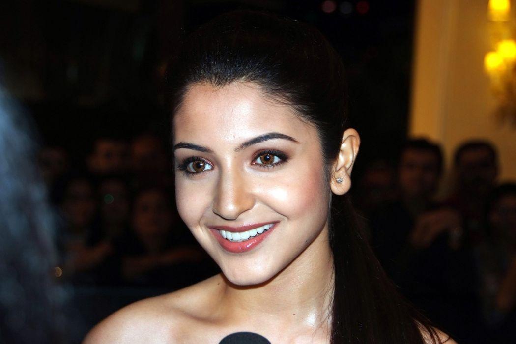 ANUSHKA SHARMA bollywood actress model babe (144) wallpaper