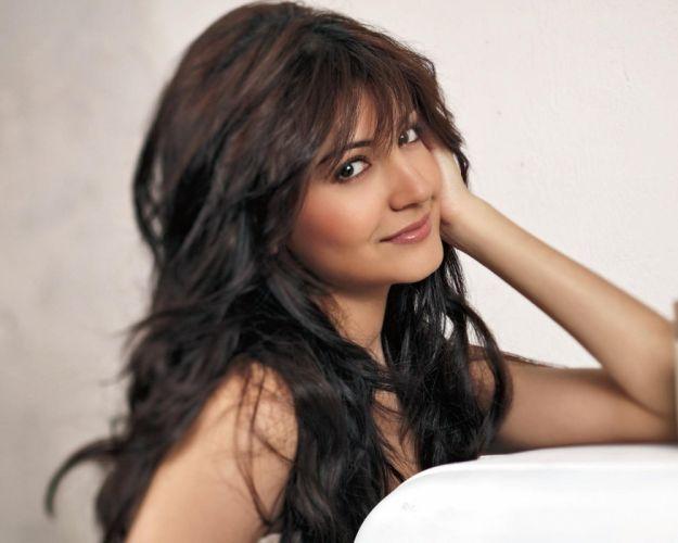 ANUSHKA SHARMA bollywood actress model babe (163) wallpaper
