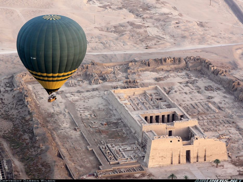 ruins Egypt balloon sky landscape wallpaper