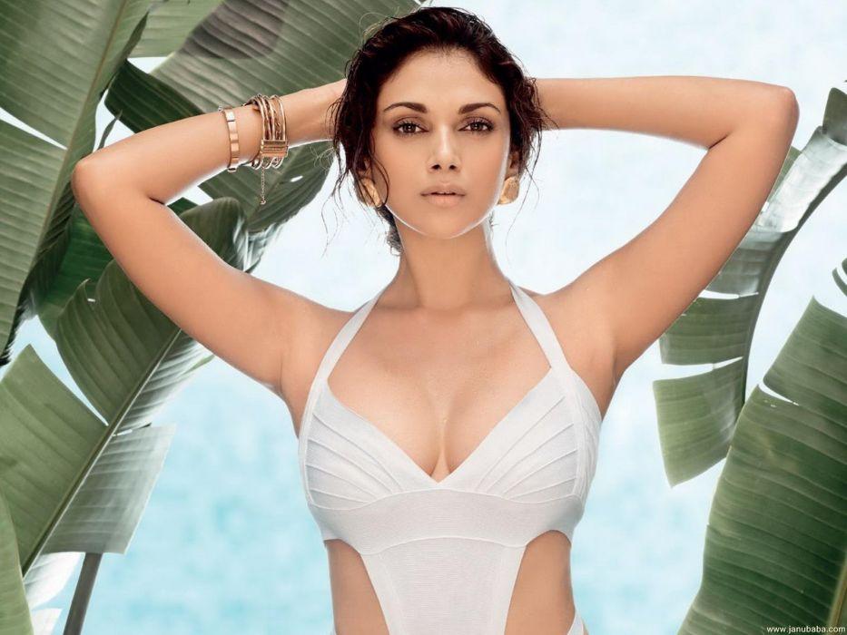 ADITI RAO HYDARI bollywood actress model babe (31) wallpaper