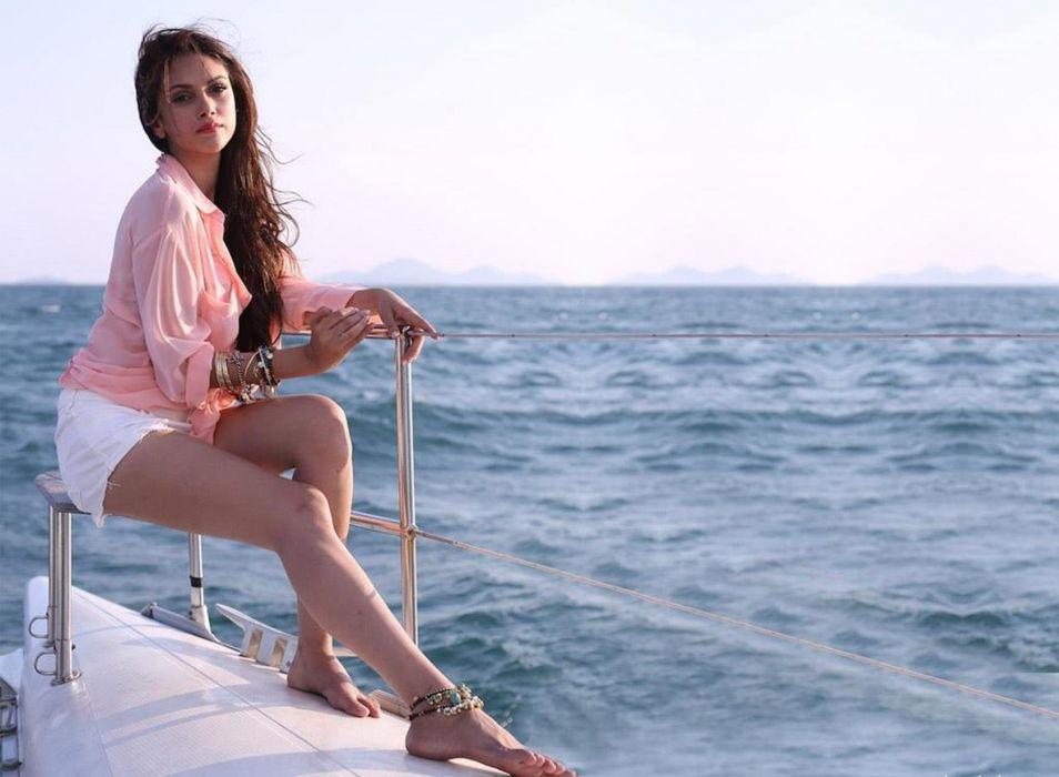 ADITI RAO HYDARI bollywood actress model babe (53) wallpaper
