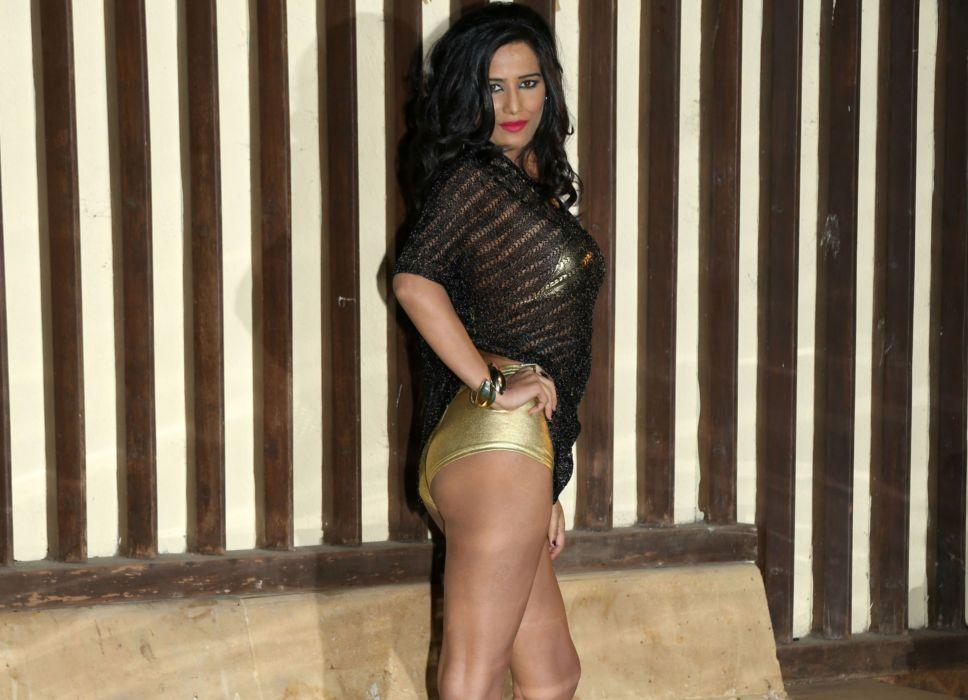 POONAM PANDEY bollywood actress model babe (6) wallpaper