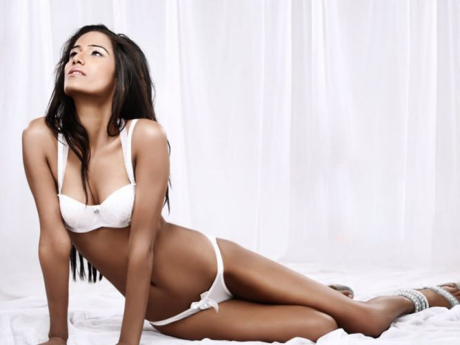 POONAM PANDEY bollywood actress model babe (47) wallpaper