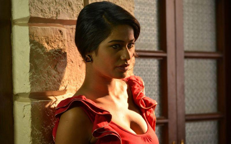 POONAM PANDEY bollywood actress model babe (105) wallpaper