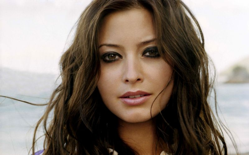 brunettes women Holly Valance faces wallpaper