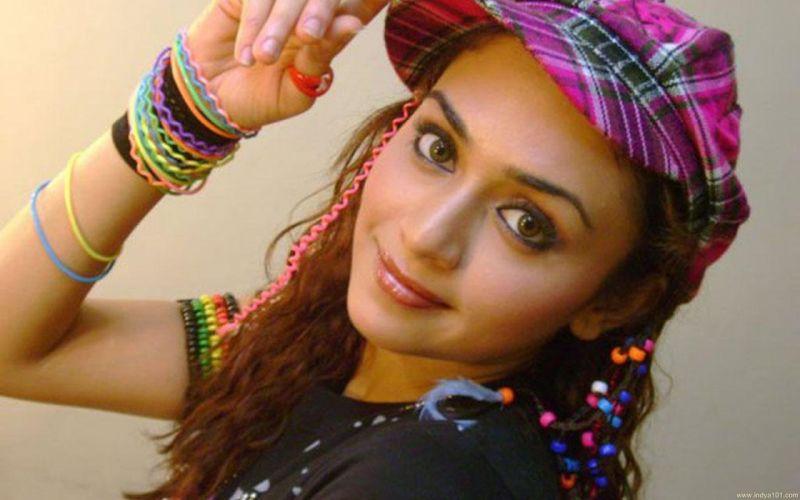 AMRUTA KHANVILKAR bollywood actress model babe (9) wallpaper