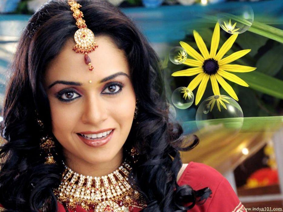 AMRUTA KHANVILKAR bollywood actress model babe (4) wallpaper