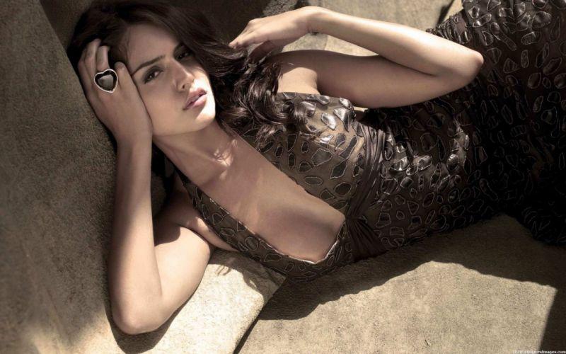 NATHALIA KAUR bollywood actress model babe (9) wallpaper
