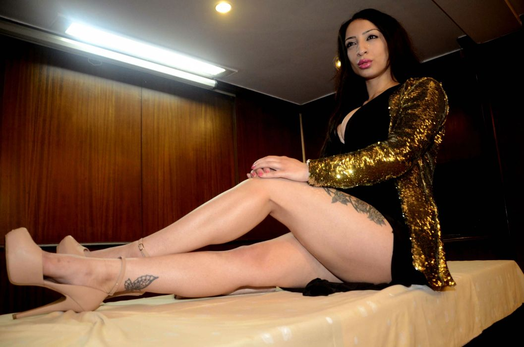 SHANTI DYNAMITE adult bollywood actress model babe playboy (4) wallpaper