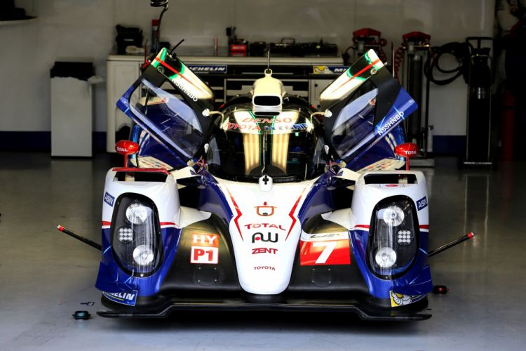 2nd Place 2014 Toyota TS040 Hybrid 6 Hours of Silverstone 2014 4000x2667 wallpaper