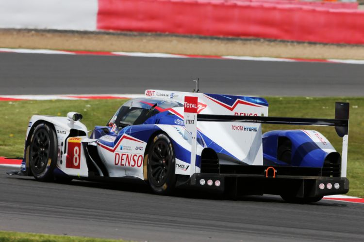 Toyota TS040 Hybrid 6 Hours of Silverstone 2014 2 4000x2667 wallpaper