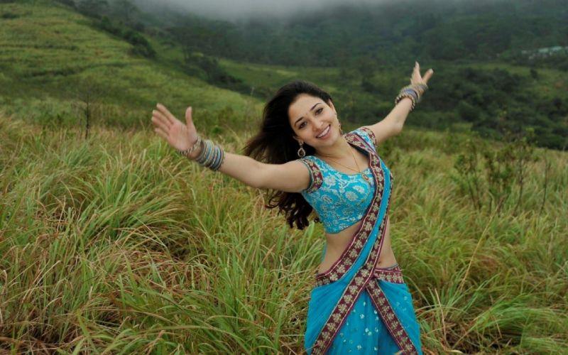 TAMANNA BHATIA bollywood actress model babe (16) wallpaper