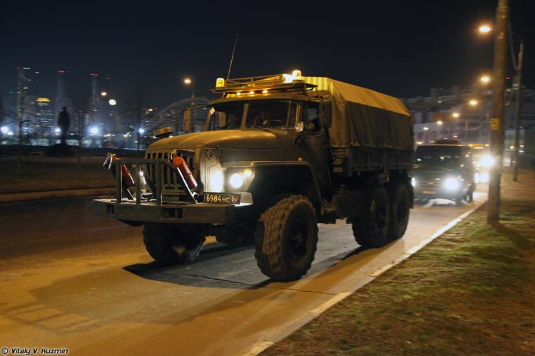 Parade vehicles march from Alabino to Moscow night Russia russian military army truck Light wheeled evacuation carrier KT-L 4000x2667 wallpaper
